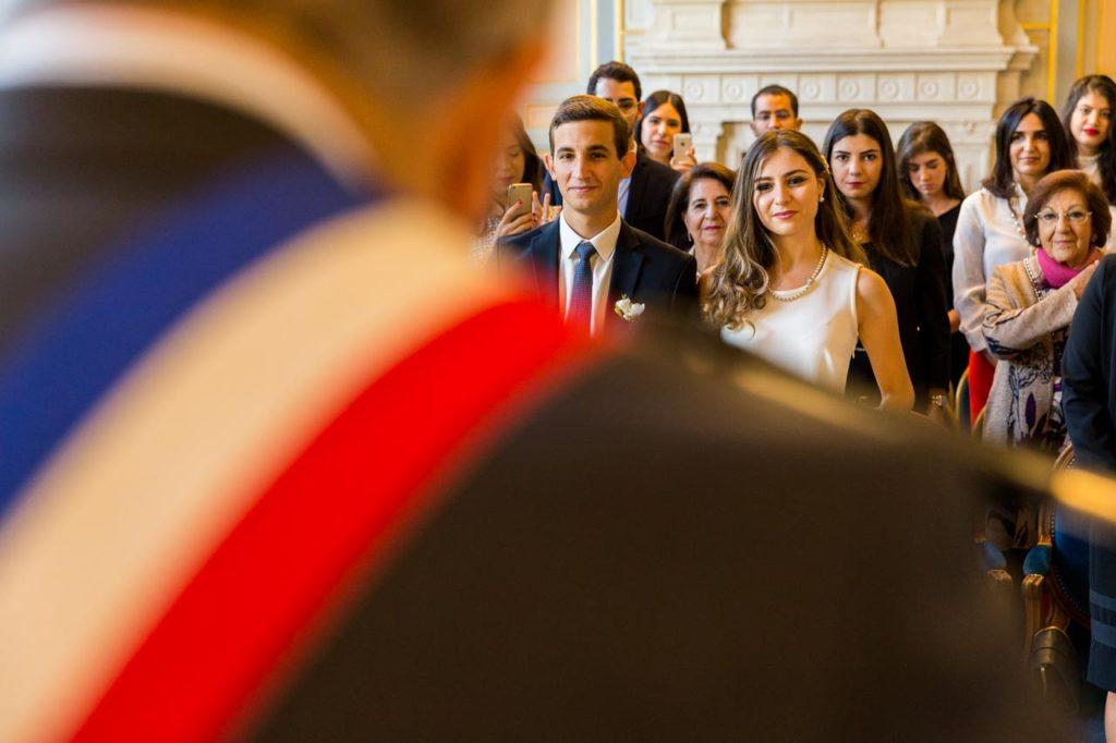 Mariage à la mairie Paris 16ème (Source : Les Photos de Bela)