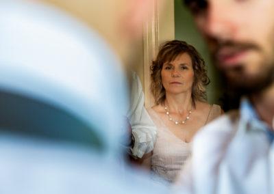 Préparatifs du marié : la maman