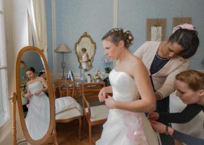 Préparatifs de la mariée au Château de Santeny
