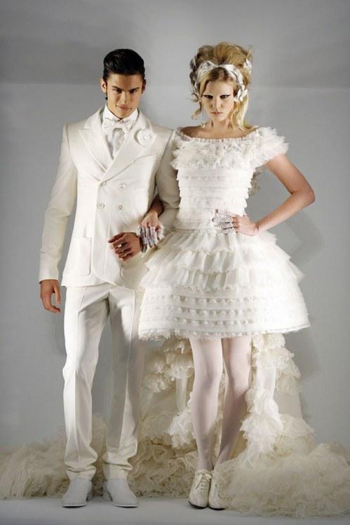 Costumes de mariages : Baptiste Giabiconi et Lara Stone lors du défilé Chanel Haute Couture 2008-2009