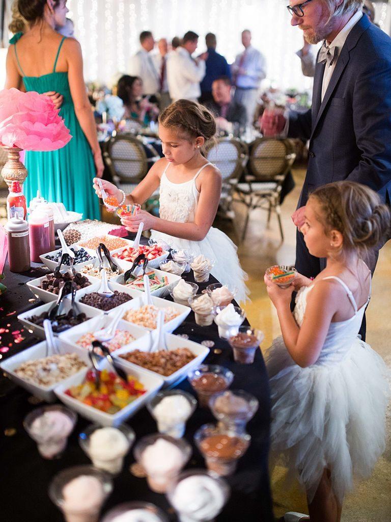 Candy Bar de mariage pour réunir petits et grands autour des gourmandises