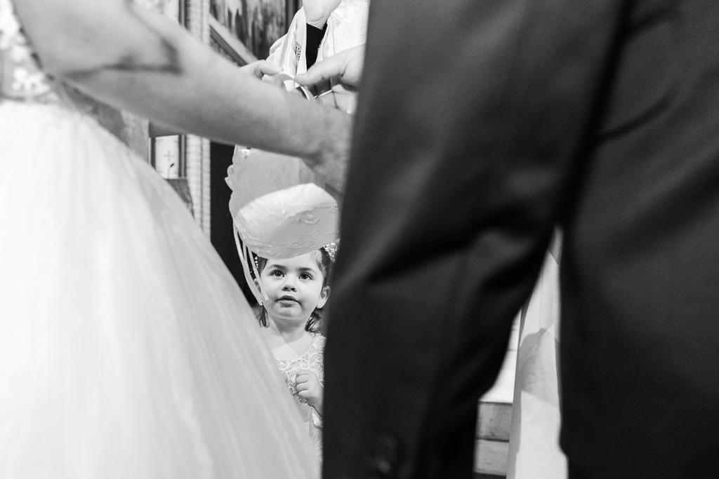 Mariage religieux -Église Saint Germain- Paris : la petite fille d'honneur