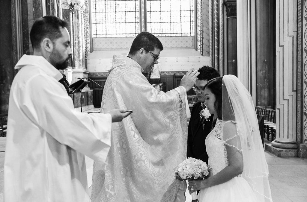 Mariage catholique à l'Église : conditions et déroulement.