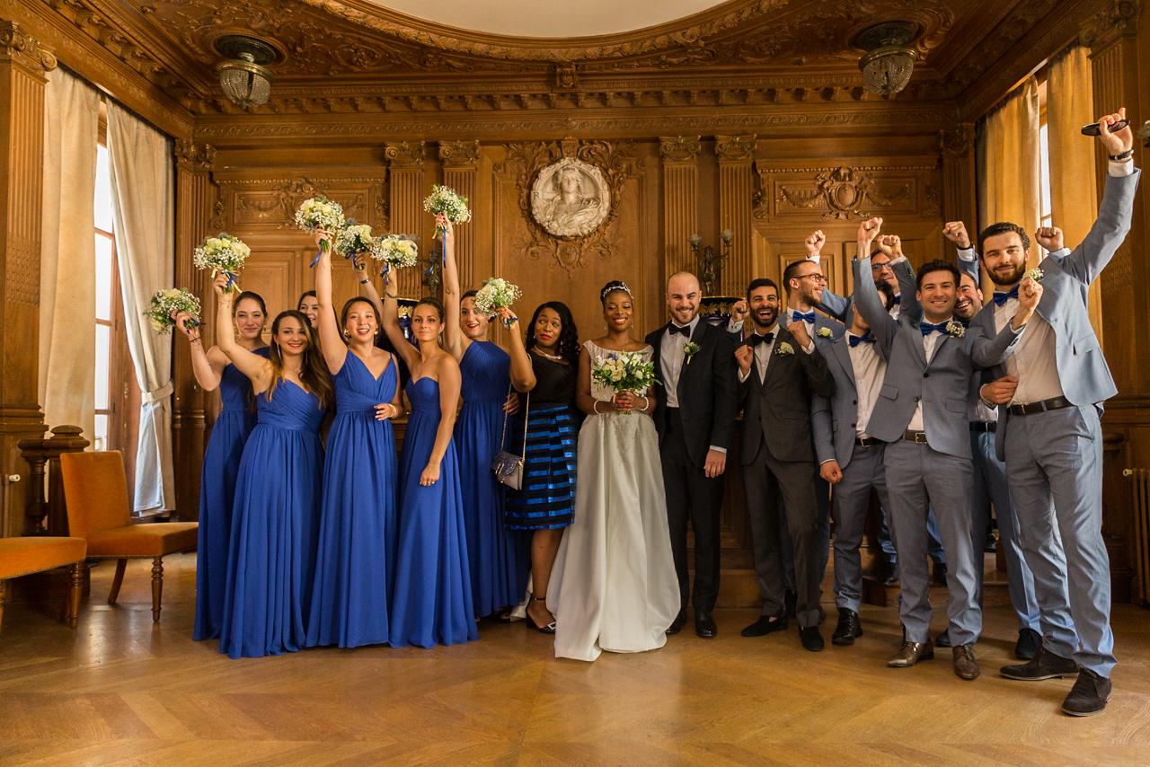 Garçons et demoiselles d'honneur à la mairie - Lesphotosdebela, Photographe de mariage à Paris